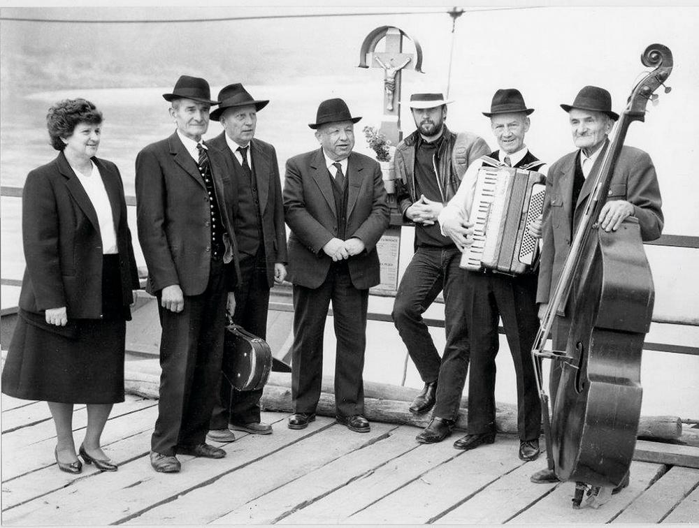 Vlado-Kreslin-in-Beltinška-banda-v-začetku-devetdestih-let