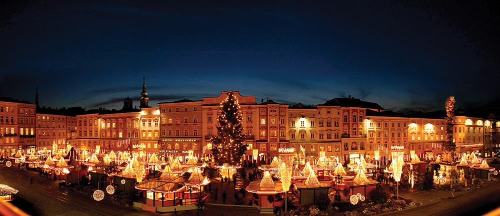 linz_Weihnachtsmarkt 15Panovorlage_Linz©linztourismus_AndreasRoebl_122003