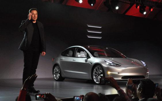 Tesla Model 3 ipak ne usporava?